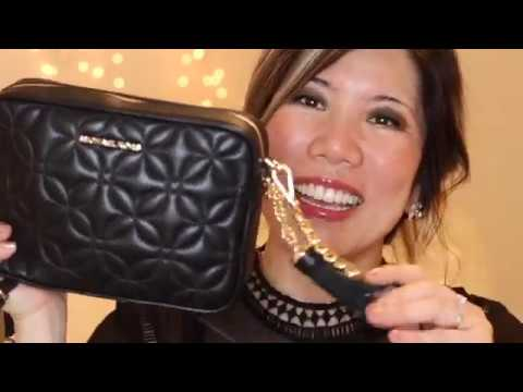 MICHAEL KORS CAMERA BAG MEDIUM/ WHAT'S IN MY BAG/ COMPARISON TO CHANEL/ MODELING SHOTS