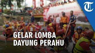 Rayakan HUT Ke-74 RI, Pemkot Jakarta Pusat Gelar Lomba Dayung Perahu Karet di Sungai Ciliwung Pasar