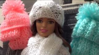 Вязаные шапочки и шарфики для кукол Барби