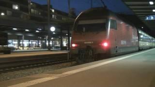 preview picture of video 'Züge am späten Abend_Hot Summer Night in Baden Zug trains treni trein'