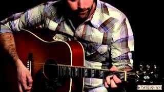 Josh Thompson Performs 'Little Memory' Live