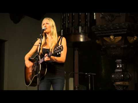 Holly Williams - Angel from Montgomery (Glasgow, 2014)