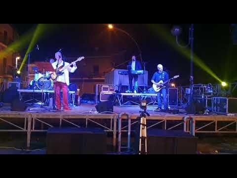 Linolivevents     Musica dal vivo Tastiera chitarra e voce live Roma Musiqua