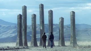 荒漠中出现7根柱子,科学家将其摧毁,结果却引发了一场灾难 !