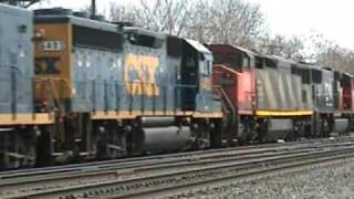 preview picture of video 'Canadian National and CSX Power taking a manifest onto north runner at CP286 in East Syracuse'