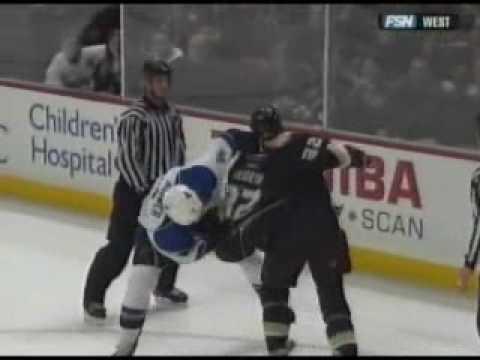 Travis Moen vs. Eric Brewer