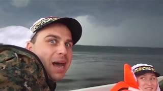 Спасаемся от грозы на лодке terhi sea fun с мотором honda 15