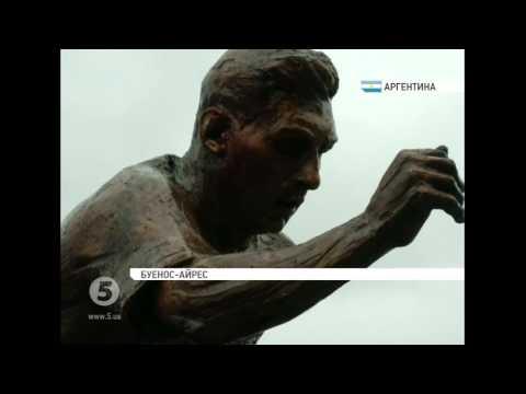 В Аргентині встановили пам'ятник Ліонелю Мессі