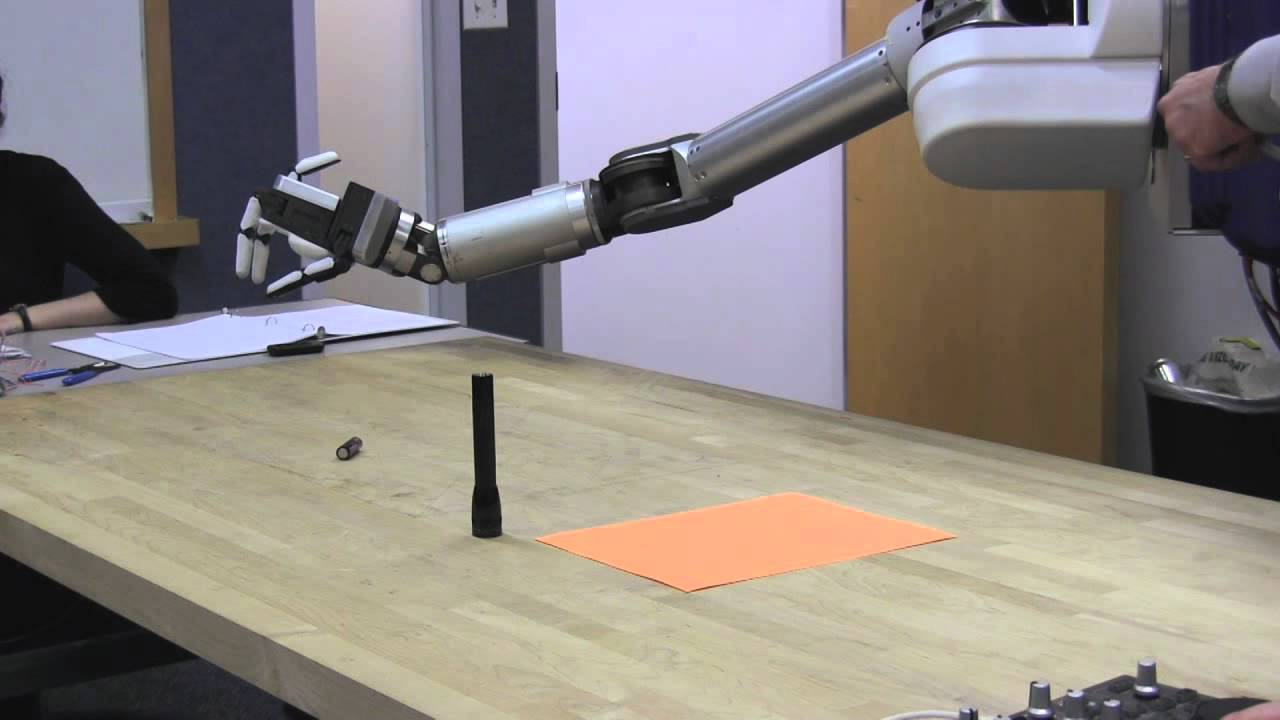 This Tool-Wielding Robot Hand Can Be Mass Produced For Cheap