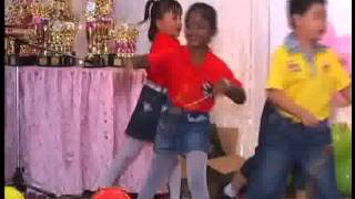 督亚冷小蜜蜂幼儿园毕业典礼 02