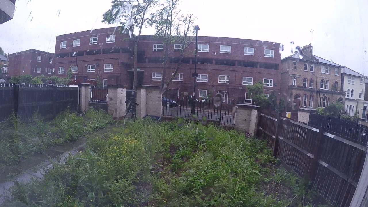 Rooms to rent in 4-bedroom houseshare with terrace - Islington
