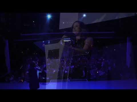 Paula Abdul Introduces Tina London at the IDA 2018
