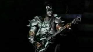 KISS Jammin and Gene spits the dummy!
