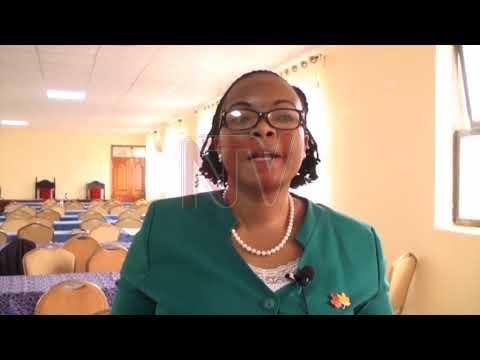EMIVUYO MU TTAKA: Namuganza agamba nti mu minisitule mulimu ensekeezi