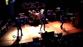 Y&T live at Gas Monkey Bar&Grill (Hungry for Rock, Keep on Runnin') 4-12-2017 pt1
