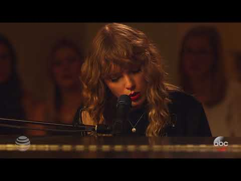 "Taylor Swift - ""New Year's Day"" Fan Performance"