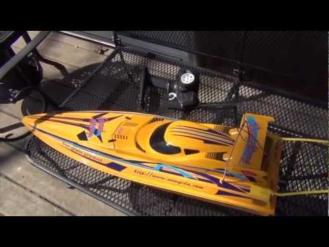 RC Speed Cyclone Boat Review