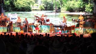 Jimmy Buffett - Growing Older But Not Up - Mansfield 2012