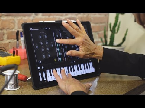 The Moog Model 15 Synthesiser Stuffs A $13,000 Synth Into An iPad App