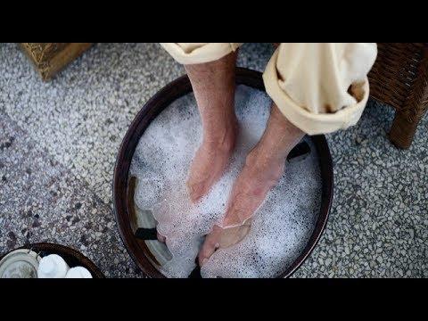 Сустав среднего пальца на ноге болит