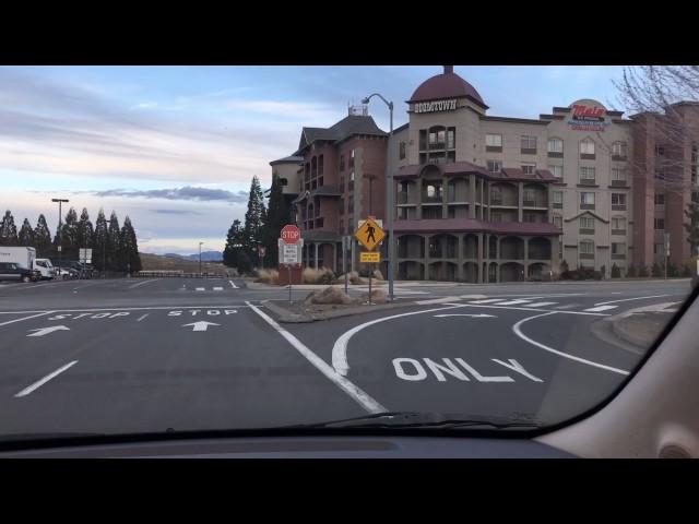 Video Uitspraak van boomtown in Engels