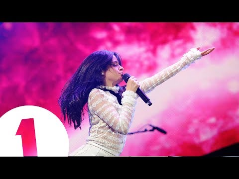 Camila Cabello - Havana (Radio 1's Teen Awards 2017)