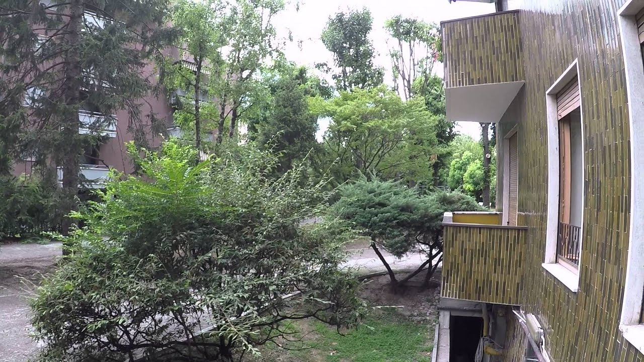 Rooms for in 2 bedroom apartment in Vigentino, close to Bocconi University and IED