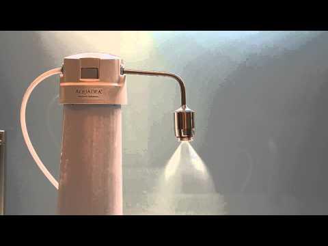 Der Vertrieb in der Luft der Gerüche des Benzins des Rauchs der Geister