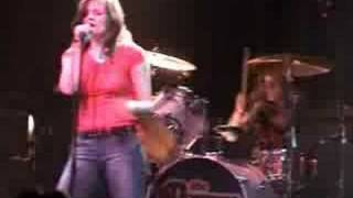 The Donnas - All Messed Up (Live)