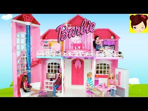 Decorando La Casa de Muñecas Barbie Malibu - Juguetes de Barbie con Titi