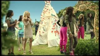 Танцевальная лихорадка, Shake it Up - 'Fashion is my Kryptonite'