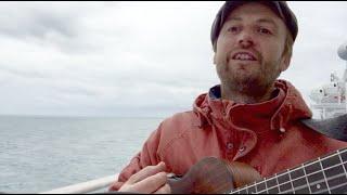 """""""L'amour, la mer et la mort"""" en session acoustique embarquée"""