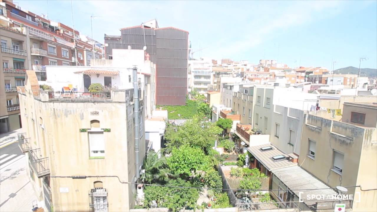 Cozy rooms for rent in 4-bedroom apartment with AC - Horta Guinardó