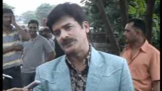 Khichdi - The Movie - Cast interview outside SRK's house