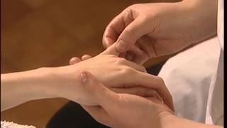 Massage Relaxant - Les Bras Et Les Mains