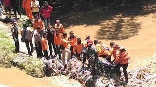 Proses Evakuasi Mayat yang Tersangkut di Sungai Sempat Terkendala Arus Deras