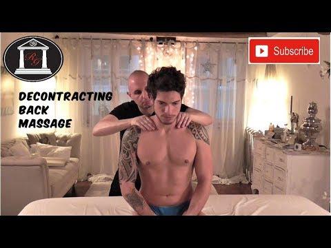 I bambini di massaggio con displasia dellanca