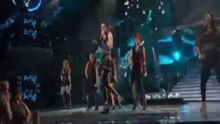 Christina Aguilera put American Idols to Shame