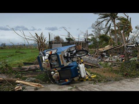 العرب اليوم - عشرات القتلى بسبب الإعصار المدمر مانكوت في الفلبين