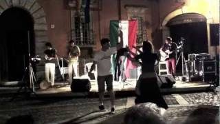 preview picture of video 'pizzica impazza in piazza'