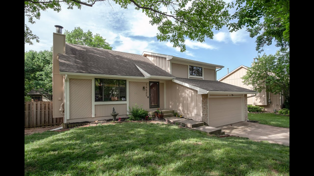 JUST LISTED and First OPEN HOUSE ~ Updated Lenexa Home Waiting for You!