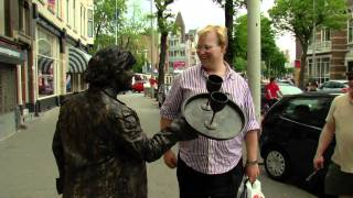 Living Statues Sander YouTube sharing