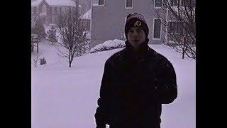 Blizzard of '96 in Clifton, Virginia: Day #1 (1-7-96)