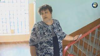 Директор школы извинилась за инцидент с вручением грамоты с гербом Украины ученику
