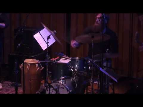 A drum solo in 11! Featuring some linear playing :)