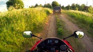НИВА vs Honda CBR600RR по асфальту и бездорожью))