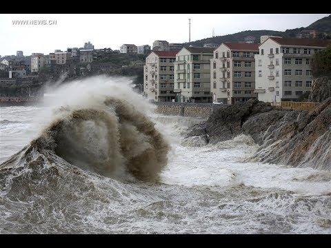 Super tifon María categoría 5 arrasa Japón Y provoca evacuación de más de 2 millones de habitantes.