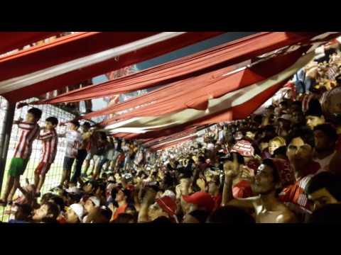 """""""ESTA DESCONTROLADA LA BANDA DEL SANTO -SAN MARTÍN 1 -SANTAMARINA 1"""" Barra: La Banda del Camion • Club: San Martín de Tucumán"""