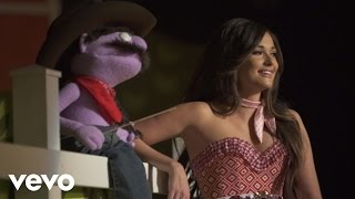 Kacey Musgraves - Biscuits (Behind The Scenes)