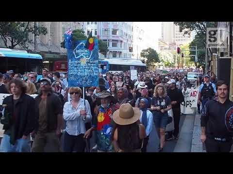Thousands in #BlackLivesMatter march through Sydney